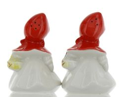 "Hull Little Red Riding Hood 5"" Salt and Pepper Range Shaker Set AAA image 5"