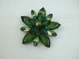 Vintage Flower Brooch Emerald Green Celluloid F... - $9.95