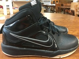 Boys Youth Nike Team Hustle Black  Basketball Shoes Size 6y 599187-001 C10 - $19.34
