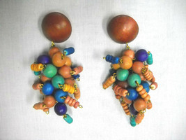 CHUNKY CLUSTER DROP BROWN BLUE PURPLE TAN COLOR BEADS DANGLING POST EARR... - $8.50