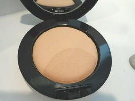 Estee Lauder Perfectionist Setting / Highlight Powder Duo 04 Medium Deep - $26.99
