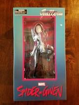 Diamond Select Spider-Gwen Statue / Marvel Comics / Spider Man - £37.57 GBP