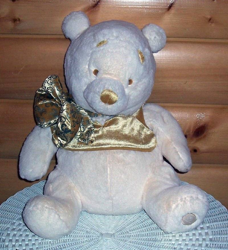 "Primary image for Disney Store Plush Golden Accents 18"" WINNIE POOH in Velour Top & Swirl Bow"