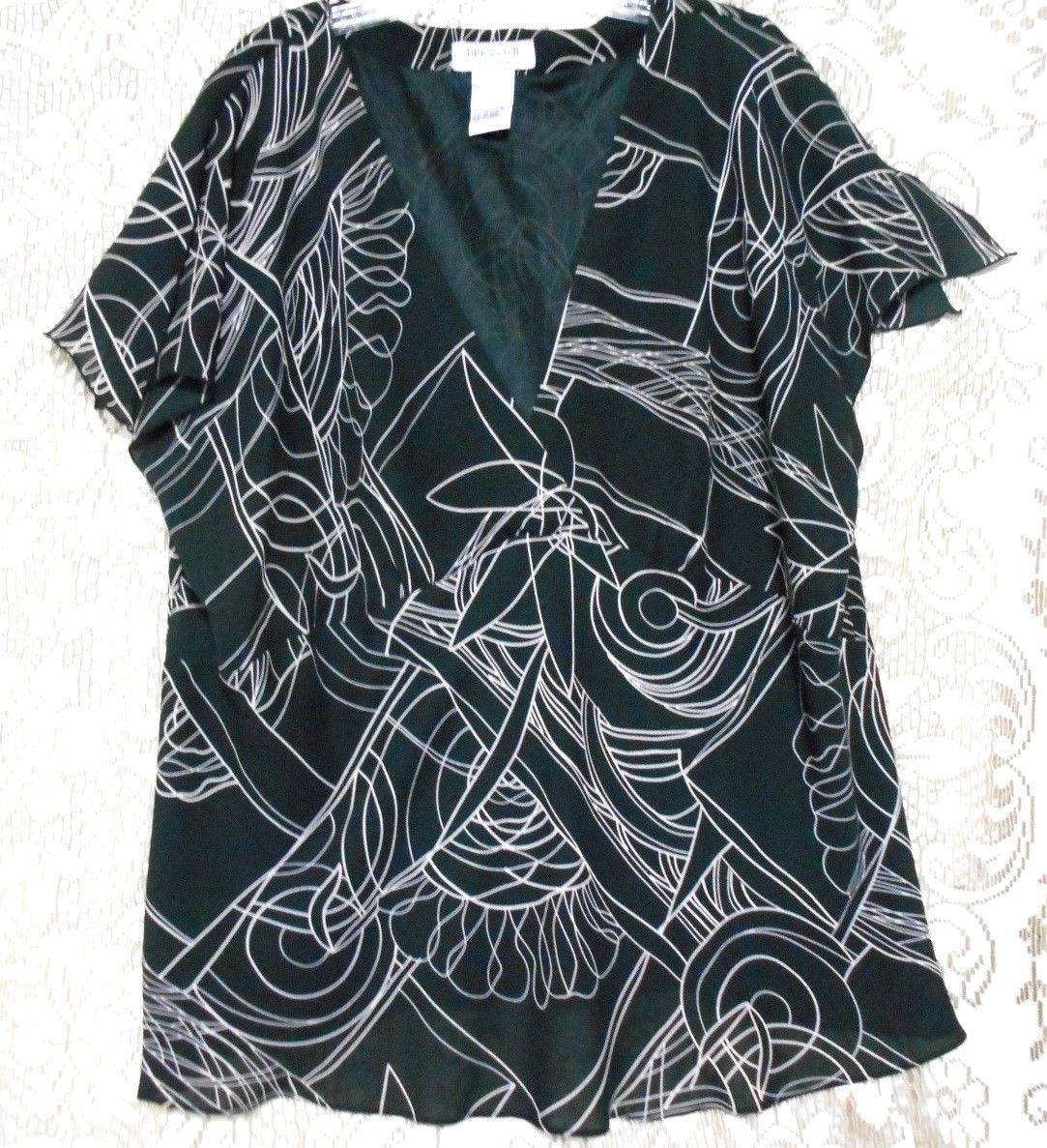 Primary image for Dress-U-11 Black White  Size 3X V Neck  Lined Empire Bodice Blouse Short Sleeves