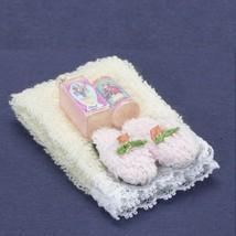 DOLLHOUSE Towel Set w Lotion & Slippers Cream a2389 Falcon Miniature - $10.40