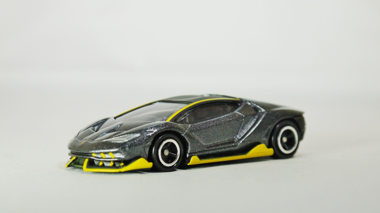 Takara Tomy Tomica Italy Lamborghini And 50 Similar Items