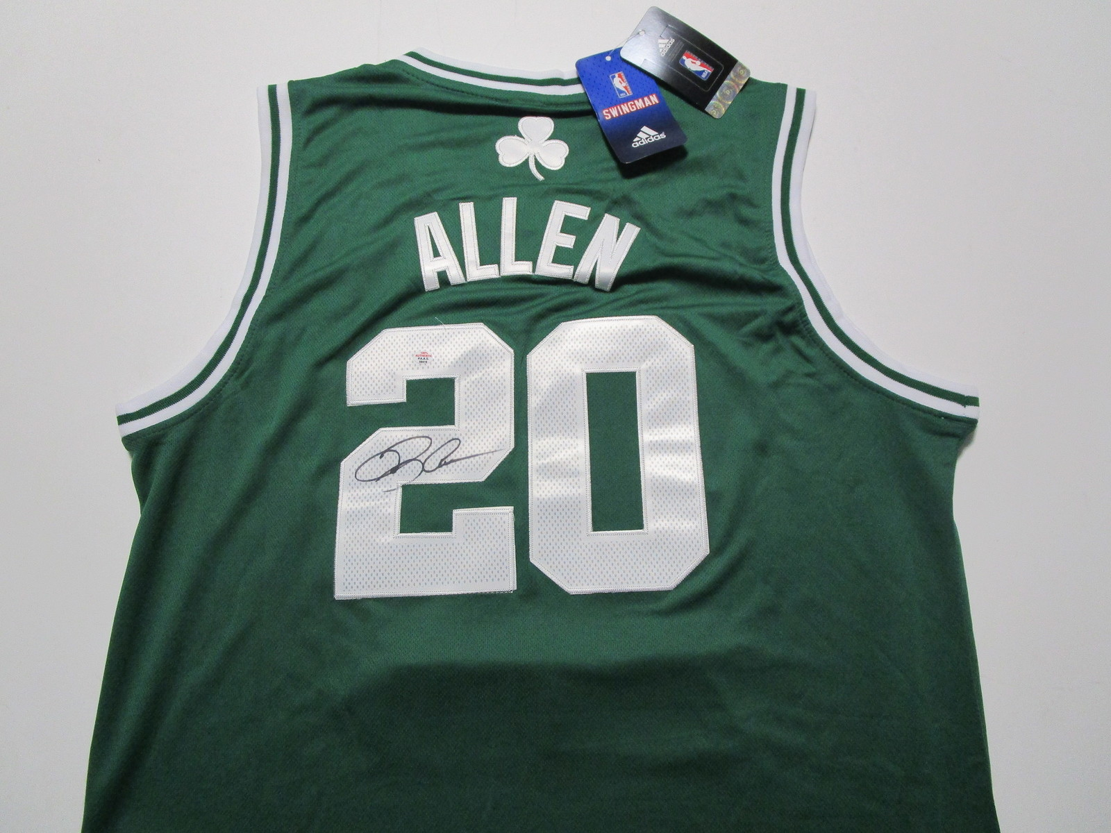 RAY ALLEN / NBA HALL OF FAME / AUTOGRAPHED BOSTON CELTICS PRO STYLE JERSEY / COA