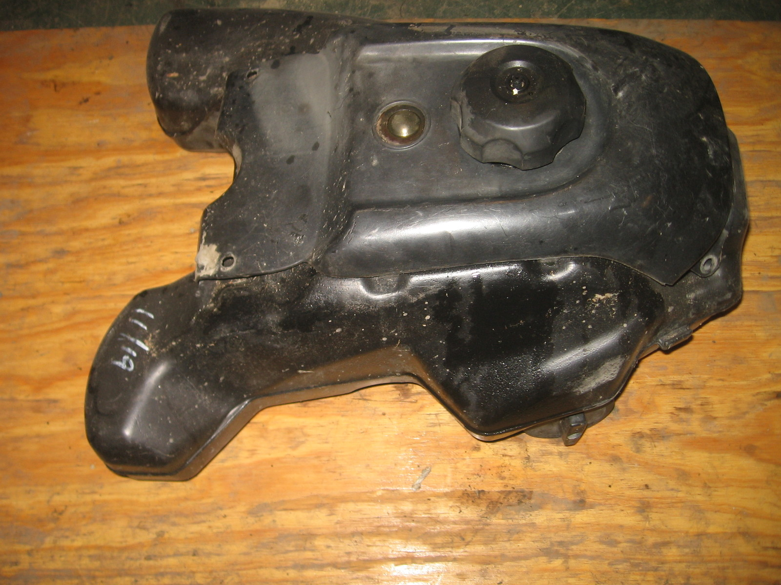 HONDA 2002 FOREMAN RUBICON 500 4X4 GAS TANK, WITH PETCOCK, GAUGE AND CAP   (BIN