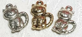 SMILING STRIPED CAT FINE PEWTER PENDANT CHARM - 12mm L x 17mm W x 4mm D image 1