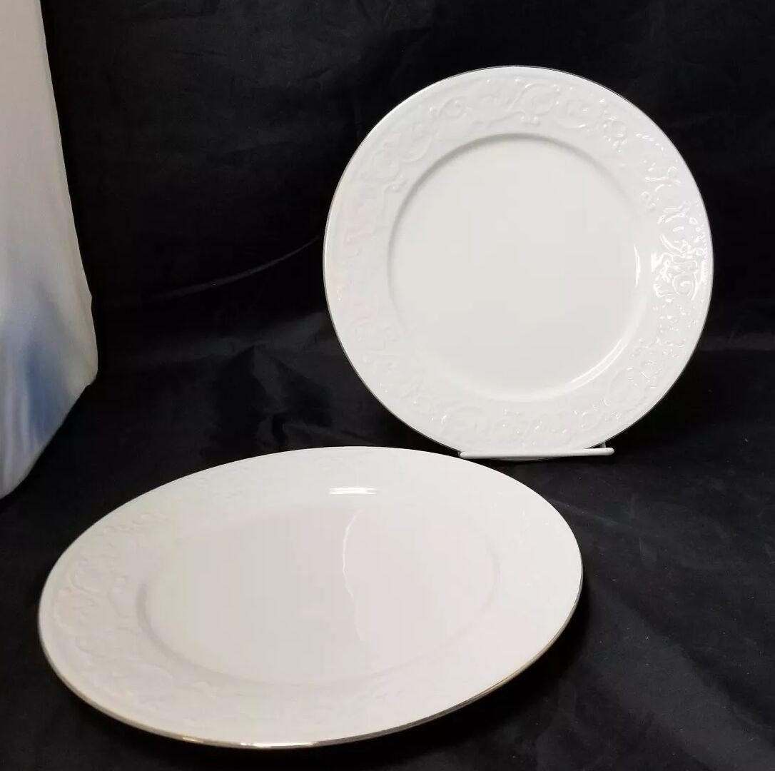 """Retroneu Calais Dinner Plates Set of 2, 10.5"""" White w Gold Trim 4173"""