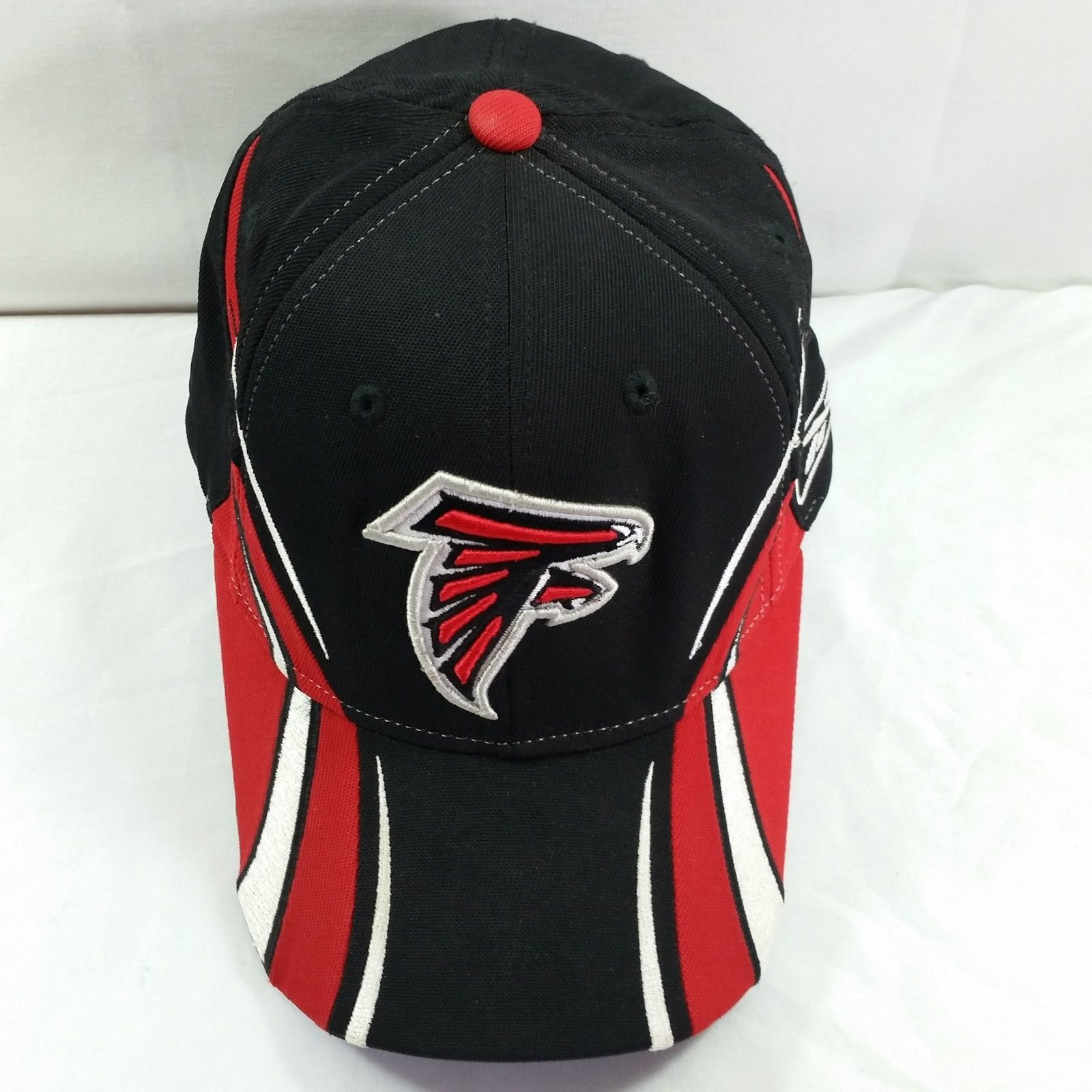 068e07dc45ceee Atlanta Falcons NFL Hat One Size Fits All Fitted Football Reebok Cap Black  Red