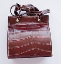 Avon Brown Leather Handbag Manicure Set  - $13.12