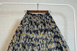 Romantic Puffy Floral Tulle Skirt High Waisted Knee Length Tulle Skirt Plus Size image 5