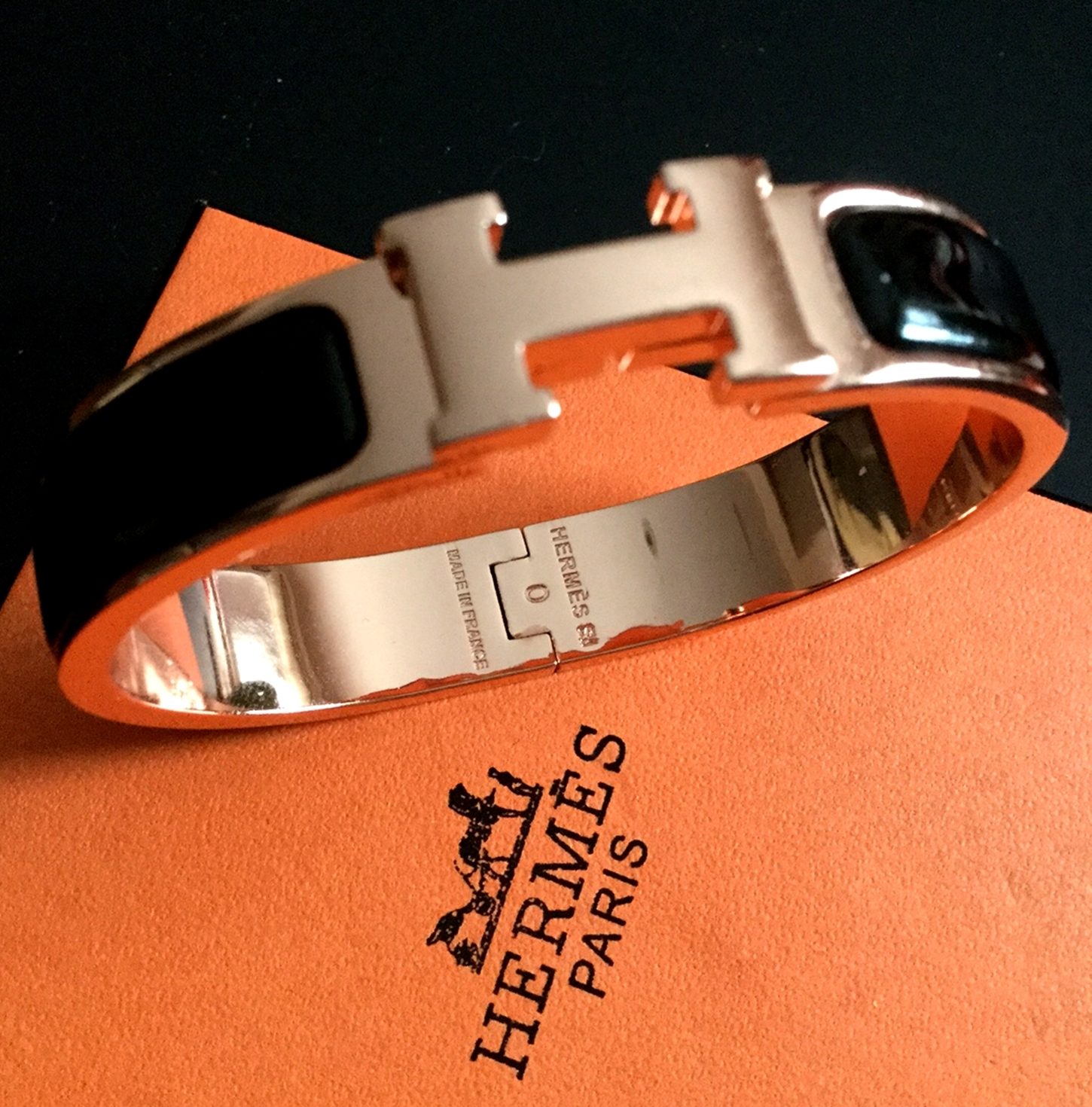 hermes clic clac h bangle bracelet rose gold black enamel. Black Bedroom Furniture Sets. Home Design Ideas