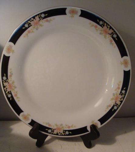 12 Crown Ming Adriana Dinner Plates Fine China Gold Trim Black Border Flowers