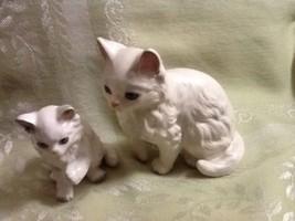 Vintage Midcentury Pair Persian White Cat Figurines Mother & Kitten Vale... - $12.95