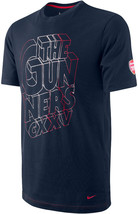 Nike Arsenal The Gunners CXXV Outline 3D Type Soccer Core Men's T-Shirt ... - €39,94 EUR