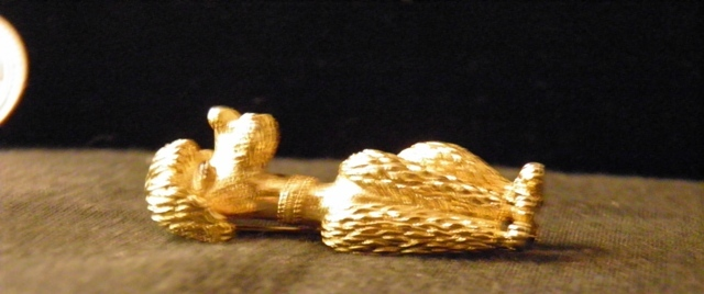 Marcel Boucher Textured Golden Perky French Poodle Brooch 7702P 3400