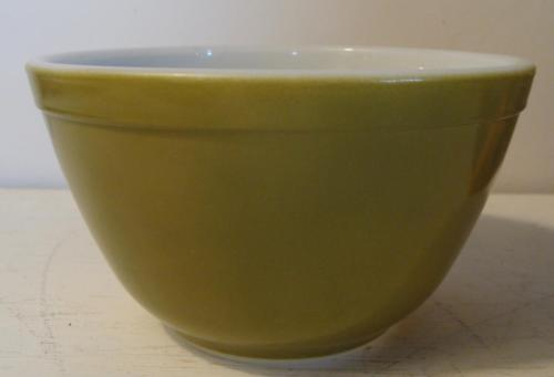 Vintage Pyrex Avocado #401 Nesting Mixing Bowl 1 1/2 Pint