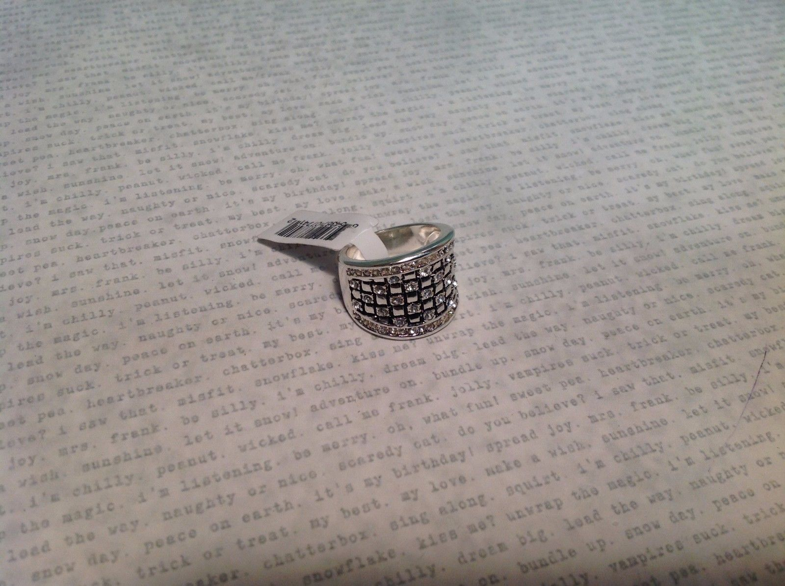 NEW Silver Tone Ring w Sm Clear Crystals w Wide Band Checkered Pattern Sz 7