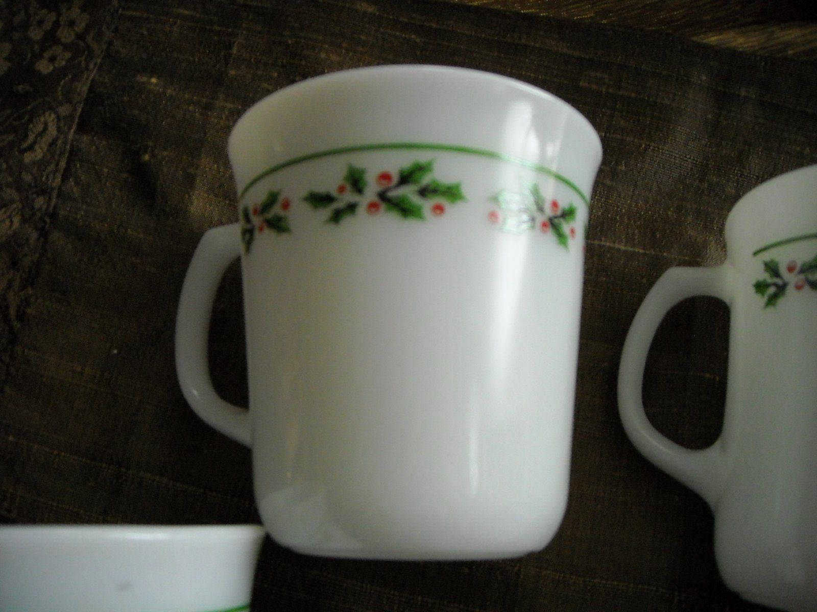 Vintage Corning Ware Coffee Cups Mugs Holly & Berry Trim Set of 4 Milk Glass image 3