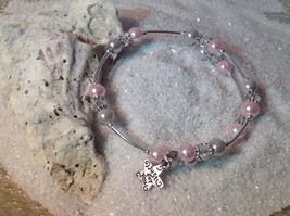 Lovely!   *Pink & Gray* Pearl Bead Wire Wrap Silver Bracelet Bangle w/charm - $10.95