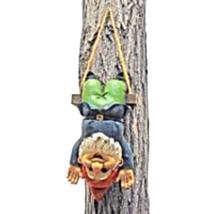 Alfie the Acrobat: Swinging Gnome Statue - €23,40 EUR