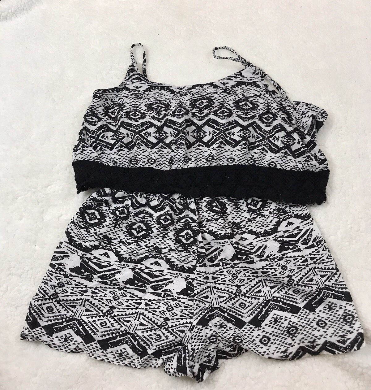 Eye Candy Black & White Romper Jumper Shorts Ladies Juniors Size XL