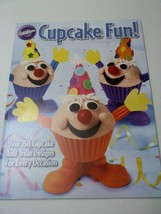 Wilton Cupcake Fun Book Valentine's Day Easter Carrot 902-795 New Free S... - $8.99