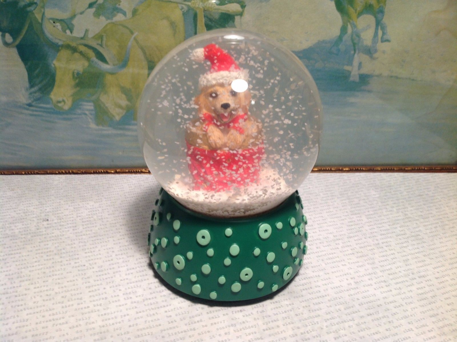 NIB Musical Green Base Glass Snow Globe w Dog
