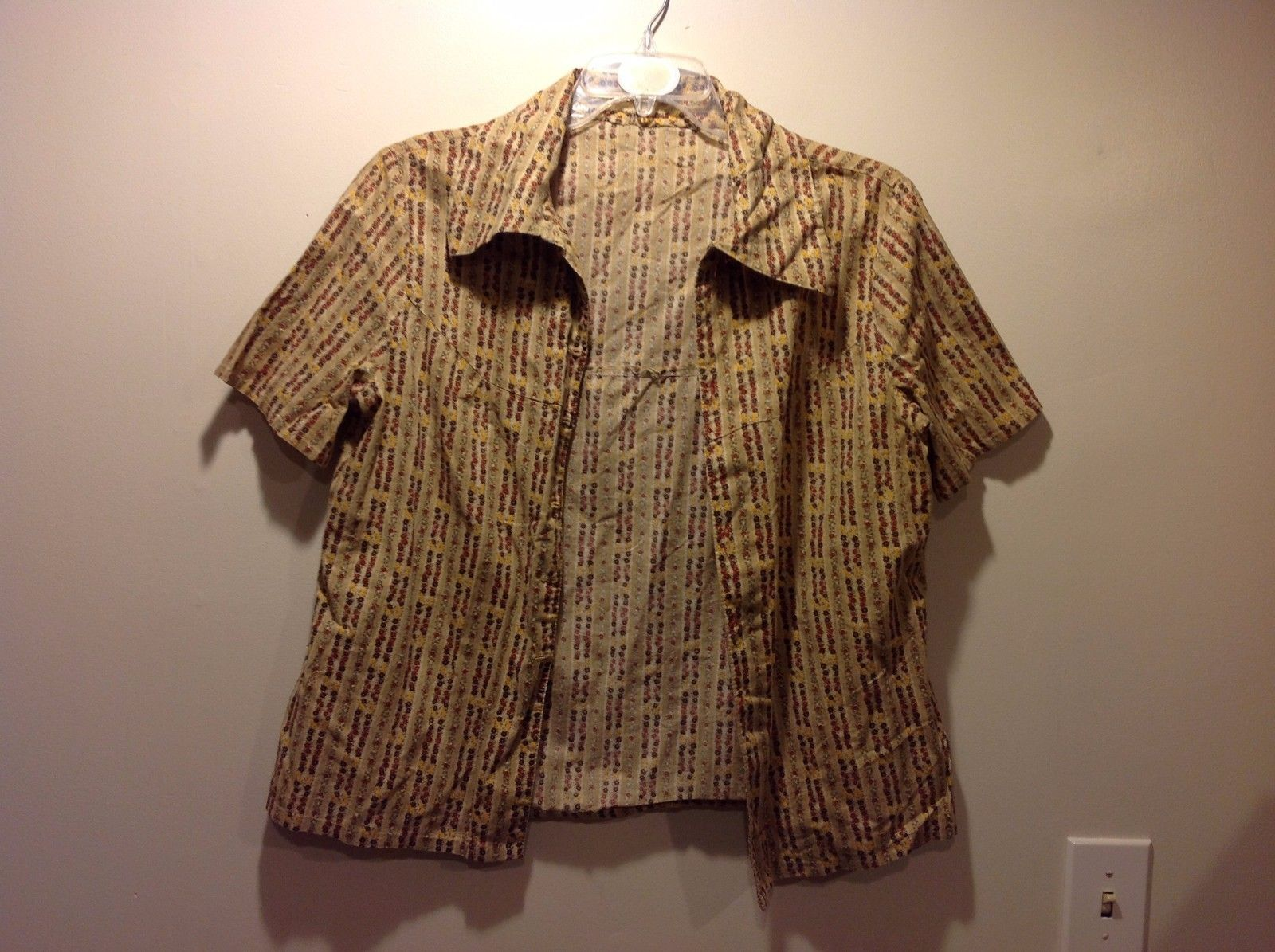 Ladies Button Up Sand Colored Short Sleeve Collared Top