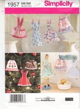 Simplicity 1957 Mini Aprons Dolls 11-12 inch Ch... - $9.89