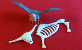 PLAYMOBIL 4503 Vulture and Skeleton Bones 1993 - $10.99