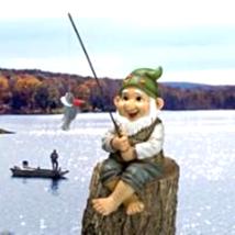 """Ziggy, the Fishing Gnome"" Garden Sitter Statue - €30,82 EUR"