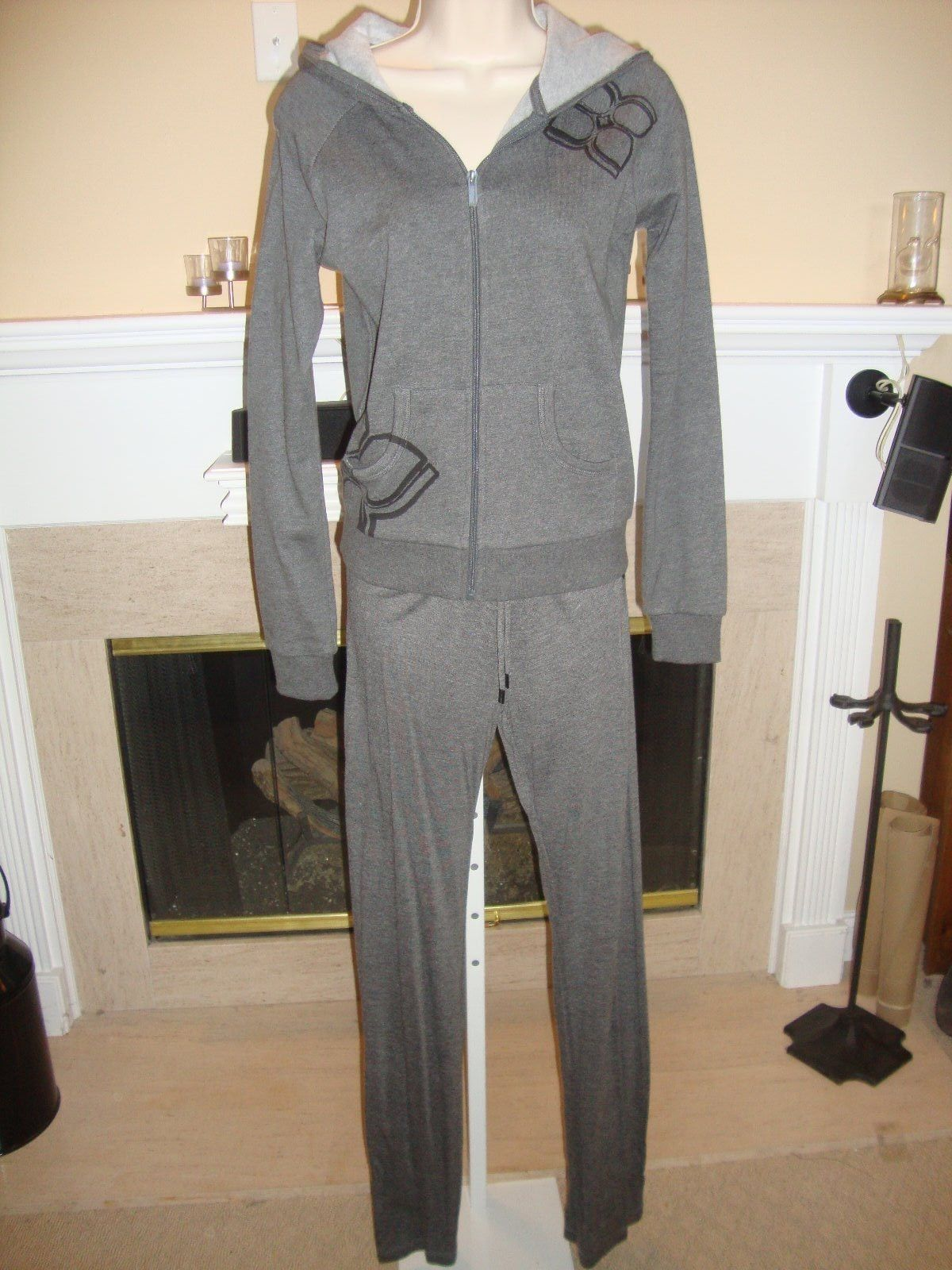 STYLISH NEW $188 GRAY BCBG SWEATS/TRACK SUIT (NWT) - $103.55