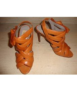 OVER THE TOP GORGEOUS NEW $1,495 VALENTINO CAMEL LEATHER SANDALS - $715.50