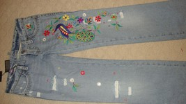 STYLISH, BRAND NEW $1,125 DSQUARED2 DISTRESSED EMBROIDERED JEANS (NWT) - $445.50