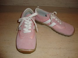 STYLISH NEW PINK SUEDE & LEATHER SNEAKERS BY STEVE MADDEN SIZE 7 (NWOB) - $42.75