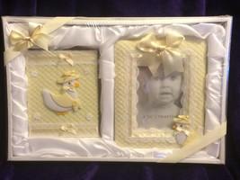 Newborn Photo Album And Frame Gift Set Yellow Ducks - $14.85