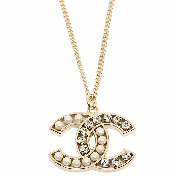 Auth chanel pearl crystal classic cc logo necklace pendant gold auth chanel pearl crystal classic cc logo necklace pendant gold small aloadofball Image collections