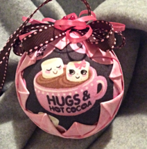 Quilted Hugs and Hot Cocoa Themed Christmas Hol... - $26.00