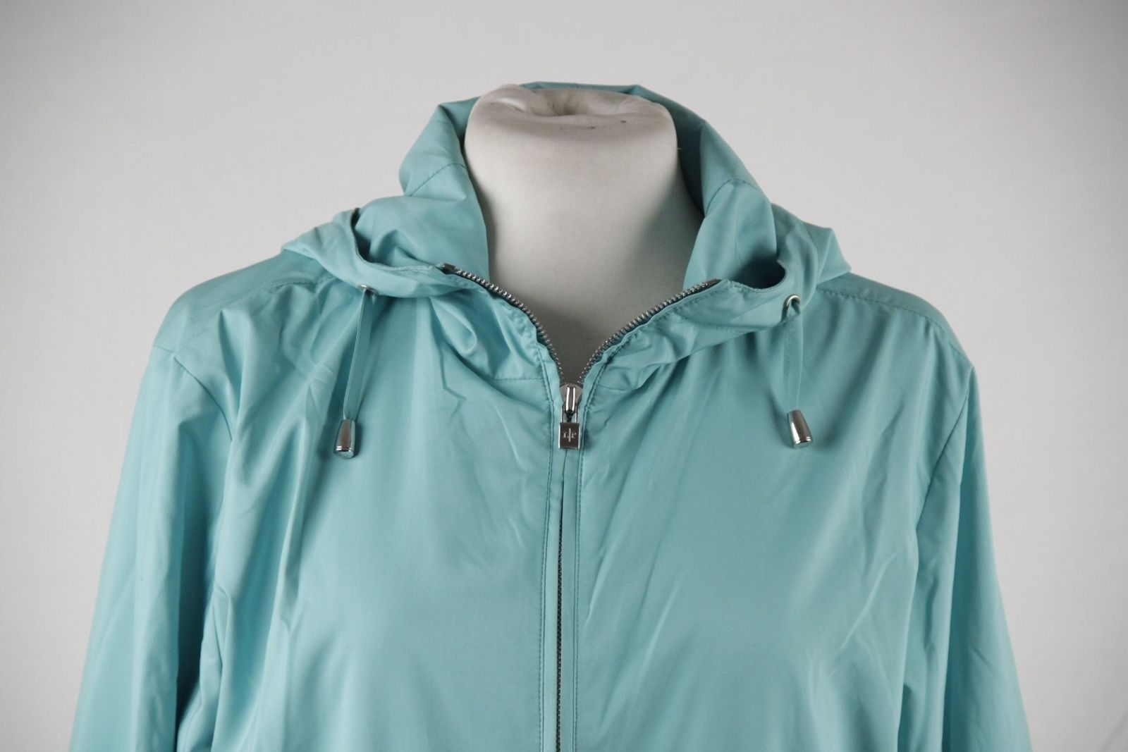 Authentic LORO PIANA Turquoise LIGHT WEIGHT PADDED JACKET Cashmere lining Sz 42