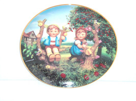 Hummels Apple Tree Boy Girl Companions Collector Plate Danbury Mint Retired - $59.95