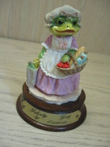 LN-26 Ceramic Felicity Frog Leonardo Little Nook Village 1989 - $9.95