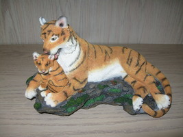 Bengal Tiger Mother With Cub Resin Figurine Statue Westland Giftware  - $12.95
