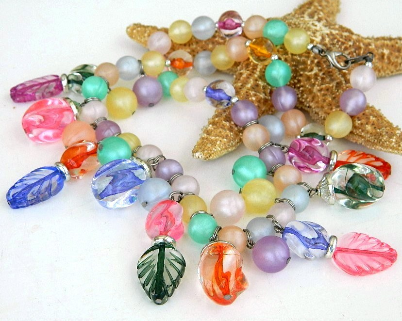 Vintage Pastel Art Glass Bead Necklace Set Napier Earrings