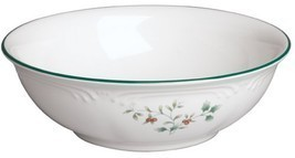 Pfaltzgraff Winterberry Vegetable Bowl h430 l12... - $46.91