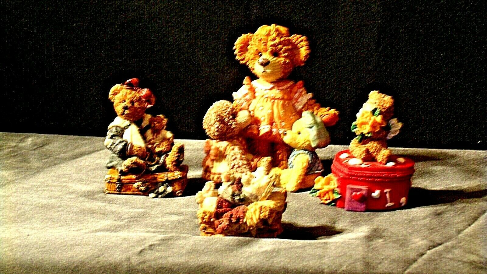 Bear Figurines AA20-2118  Collectible ( 4 pieces )