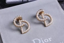 AUTH CHRISTIAN DIOR Pearl Your Dior Earrings Gold image 5