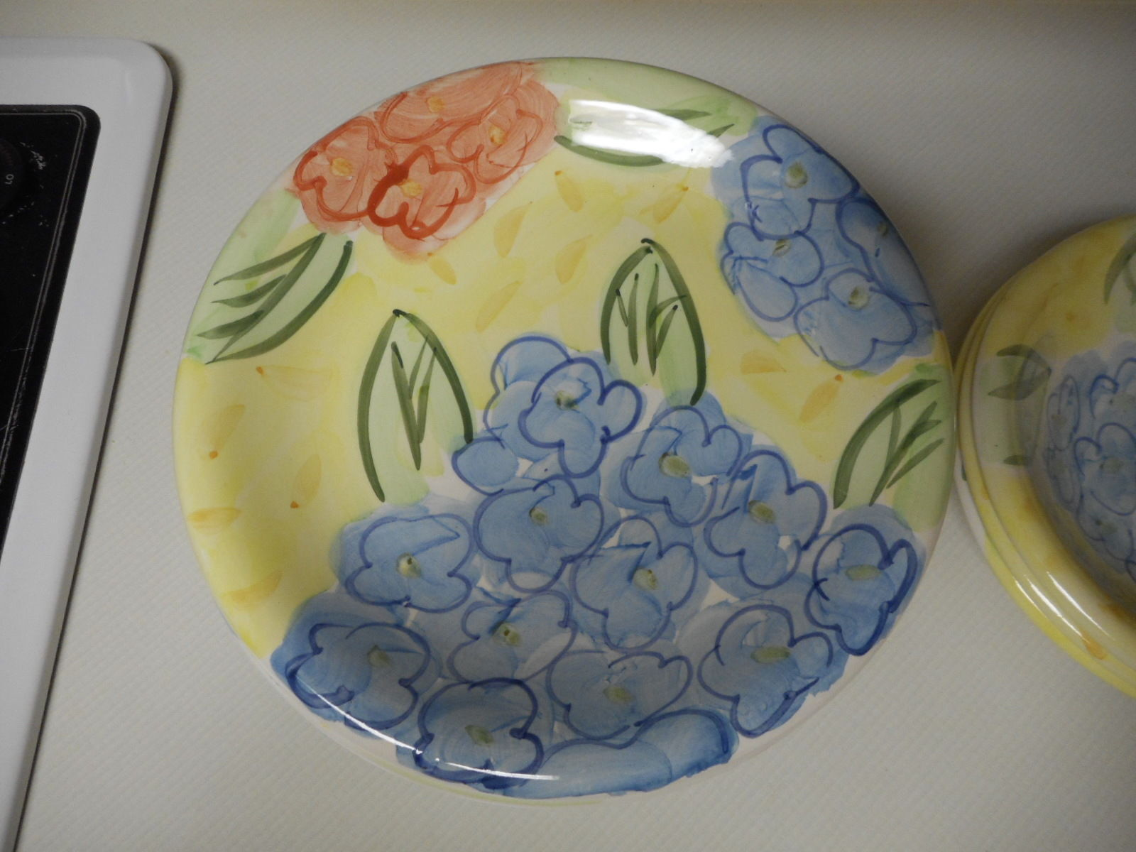 Bella Ceramica Set of 8 Dinner Plates & 3 Bowls Yellow With Blue Orange Flowers